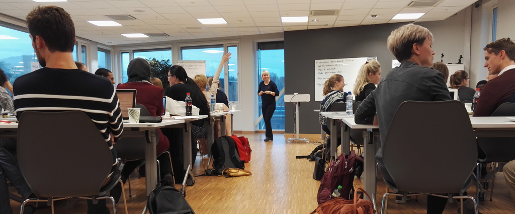 More than 40 young scientists were attending the practical Pitch Your PhD-workshop November 4th, organized by Science for Society. (Foto: Oslotech)